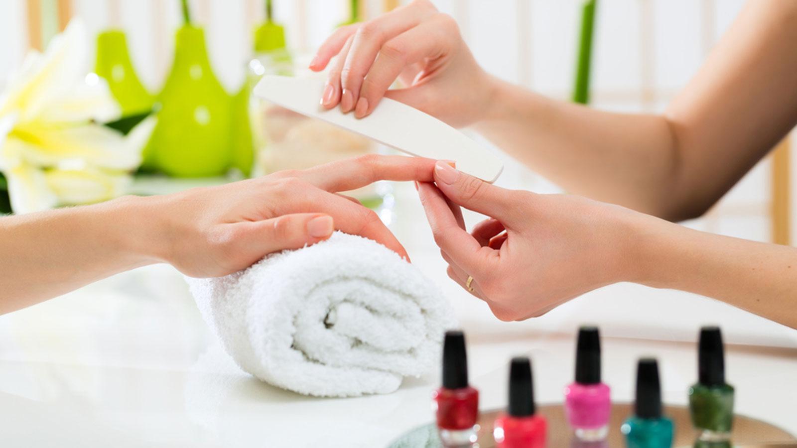 manicure-nails-1600px